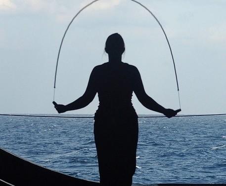 La corde à sauter : des exercices pour maigrir