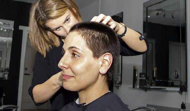 Les secrets du métier d'un coiffeur visagiste