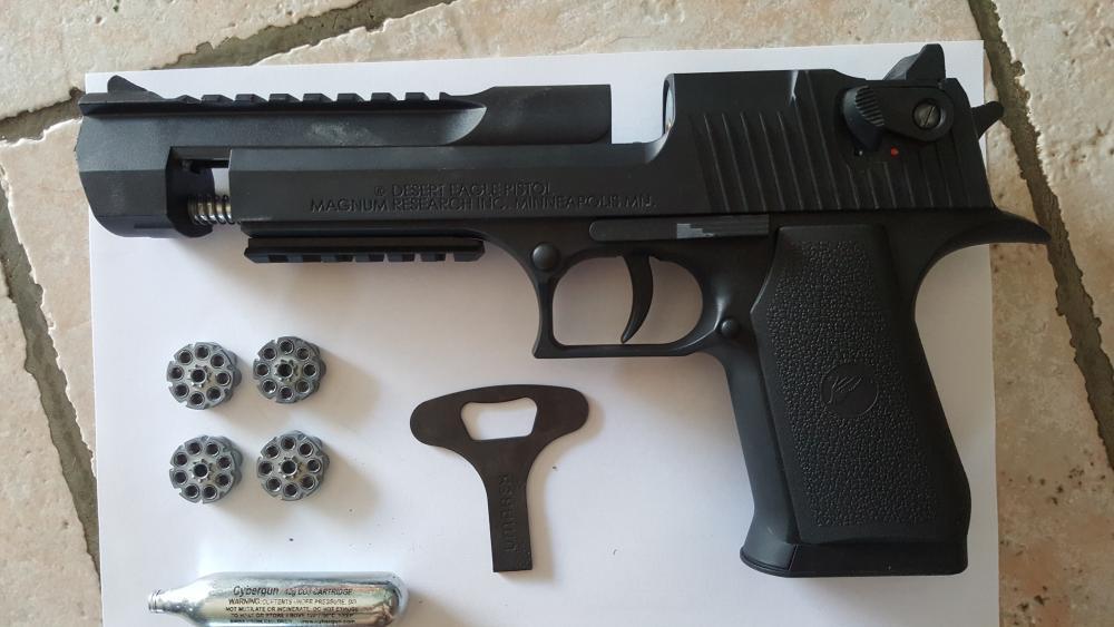 Pistolet à plomb démonté