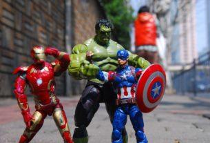 Figurine des héros Marvel