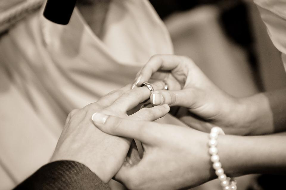Passage d'alliance lors d'un mariage civil