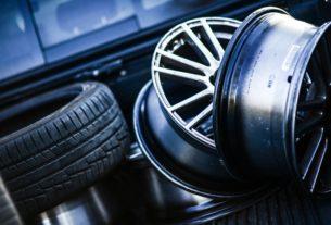 pneu et enjoliveur démontés